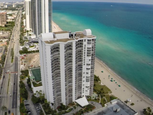 ea_cat_sands_point_condo_04